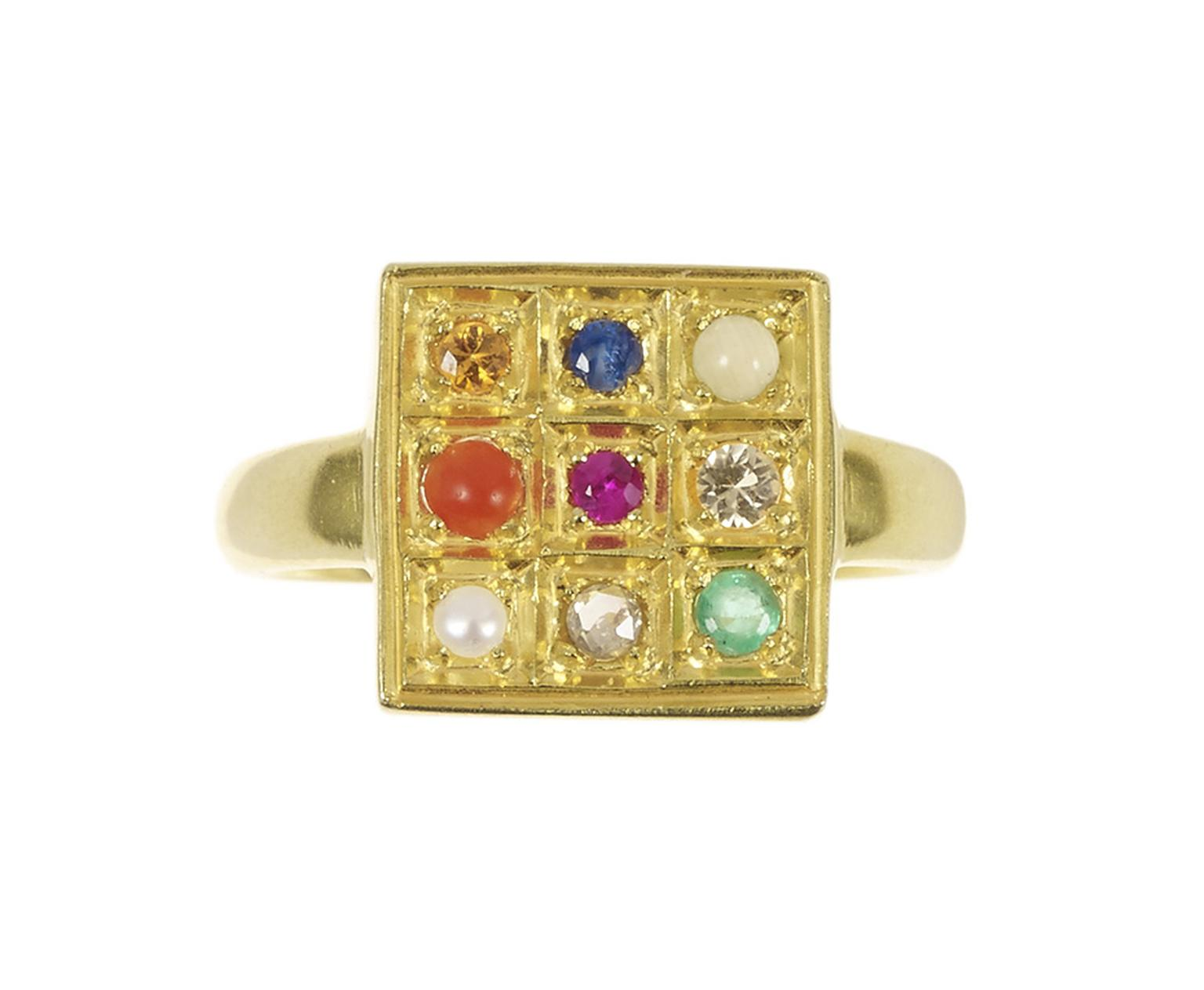 Pippa Small Navaratna ring in yellow gold with multi-coloured gemstones