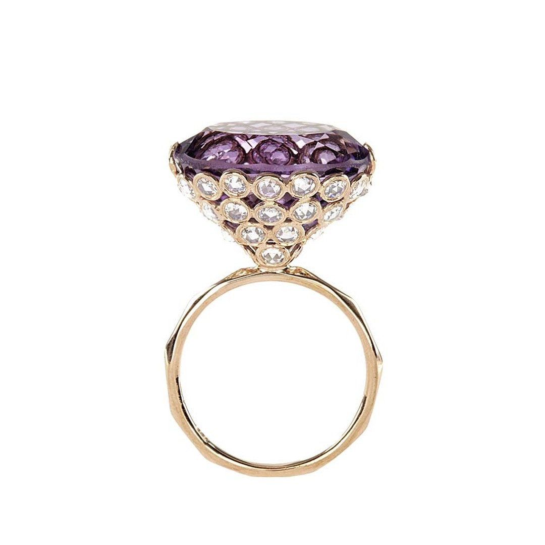 Lito pink gold ring with an oval concave-cut amethyst and rose-cut diamonds