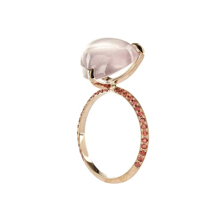 Lito pink gold ring with a 3.5ct oval cabochon rose quartz and orange brilliant-cut sapphires
