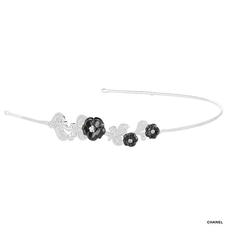 Chanel Camélia Galbé headband in white gold, black ceramic and diamonds