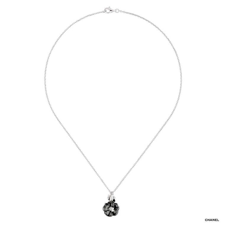 Chanel Camélia Galbé white gold pendant necklace with a black ceramic flower and a single brilliant-cut diamond