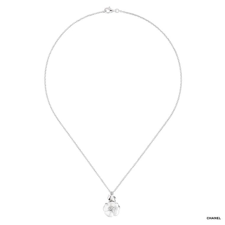 Chanel Camélia Galbé white gold pendant necklace with a white ceramic flower and a single brilliant-cut diamond