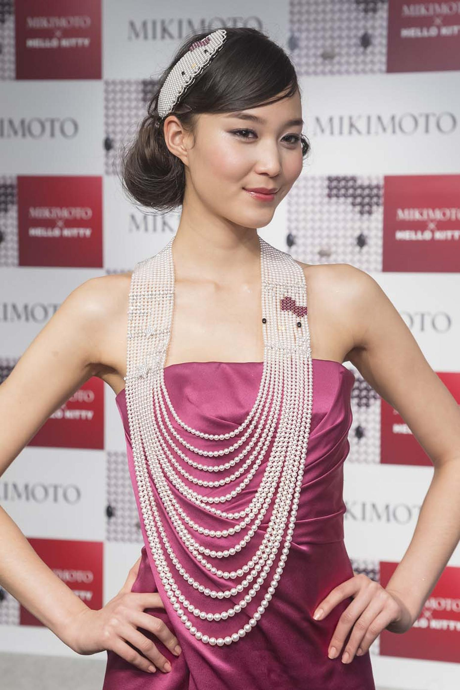 Mikimoto x Hello Kitty pearl necklace and head piece