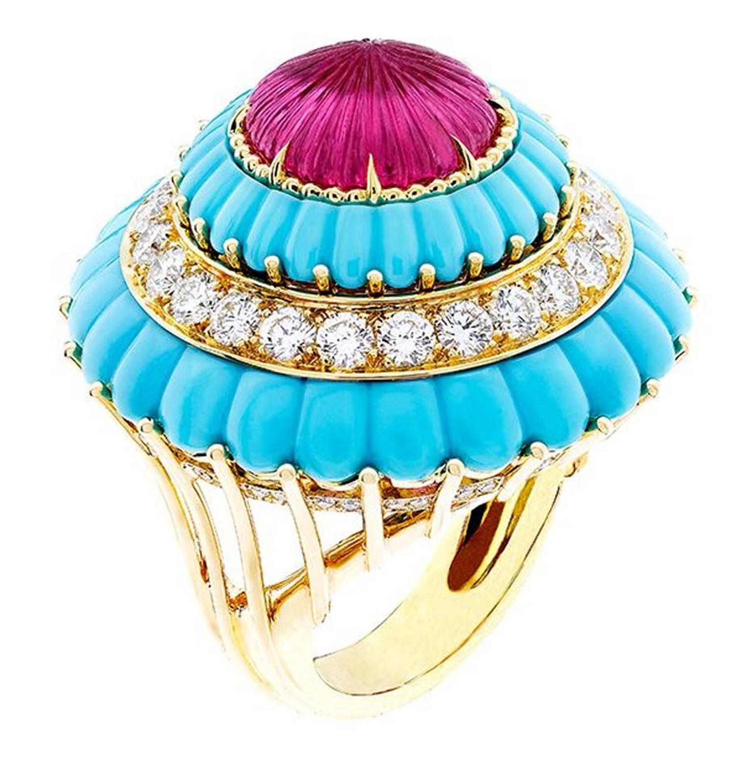 Van Cleef & Arpels Lady's Cocktail Ring in yellow gold, with round diamonds, carved rubellite and turquoise