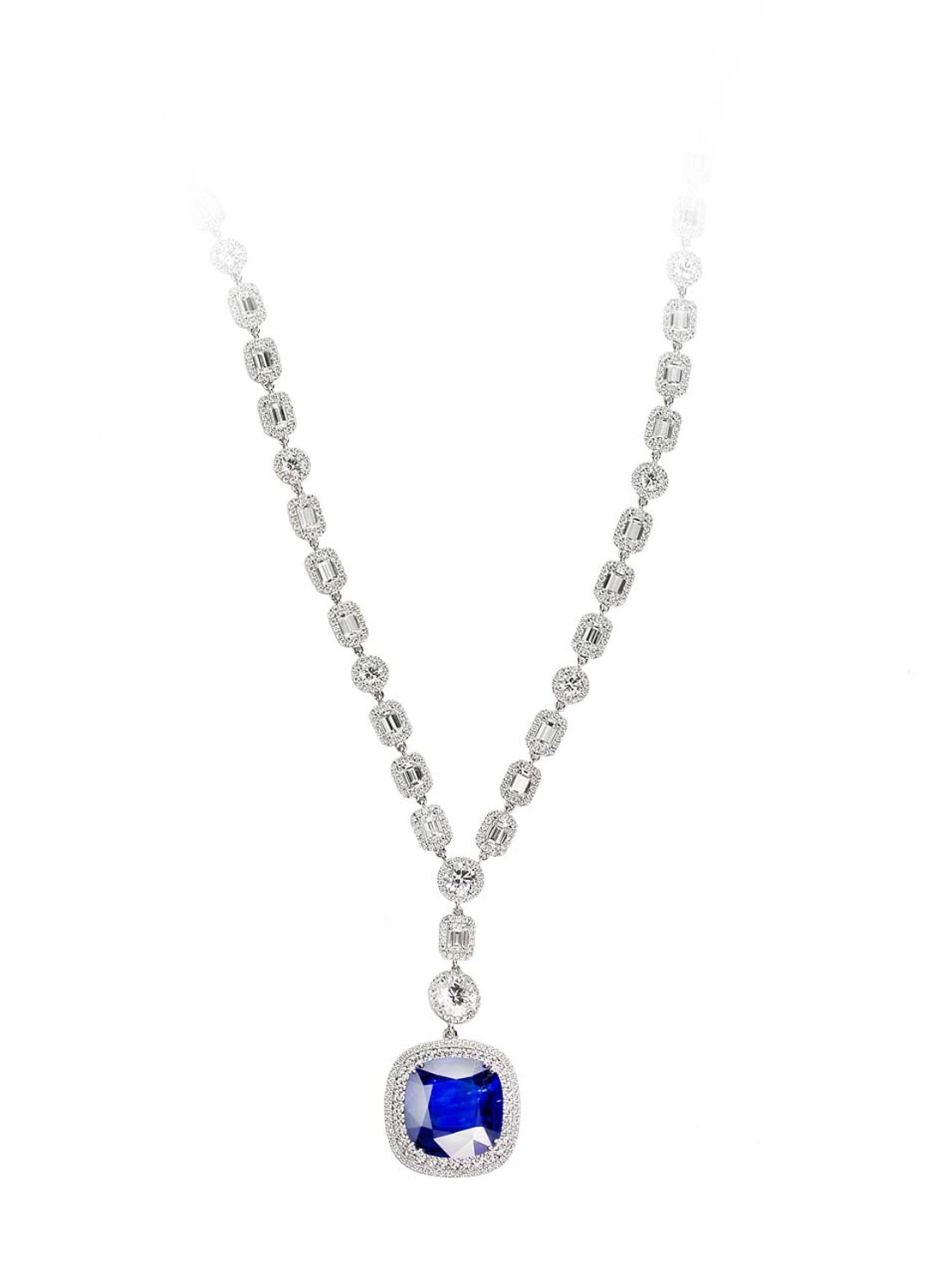The necklace worn by BAFTAs 2014 presenter Gillian Anderson were set with a centre solitaire and 18ct diamonds.