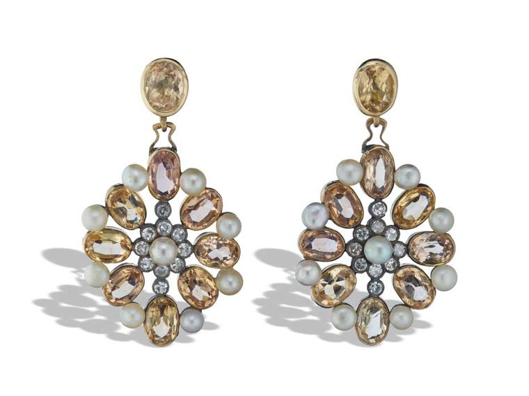 The vintage diamond, pearl, citrine and platinum flower Neil Lane earrings worn by Zooey Deschanel on the Golden Globes 2014 red carpet