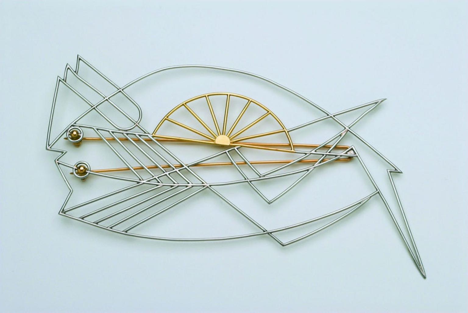 Wendy-Ramshaw-Lemon Sole Brooch for Sitting Woman With Fish Hat