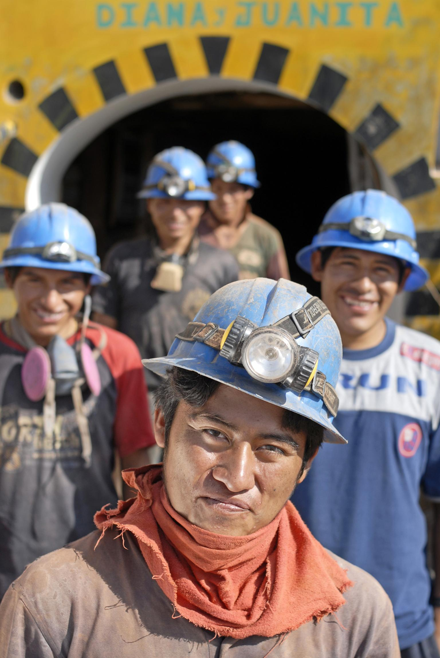 Thanks to the Fairmined standard, anyone who buys gold or other Fairmined-certified metals directly supports those working in community mines