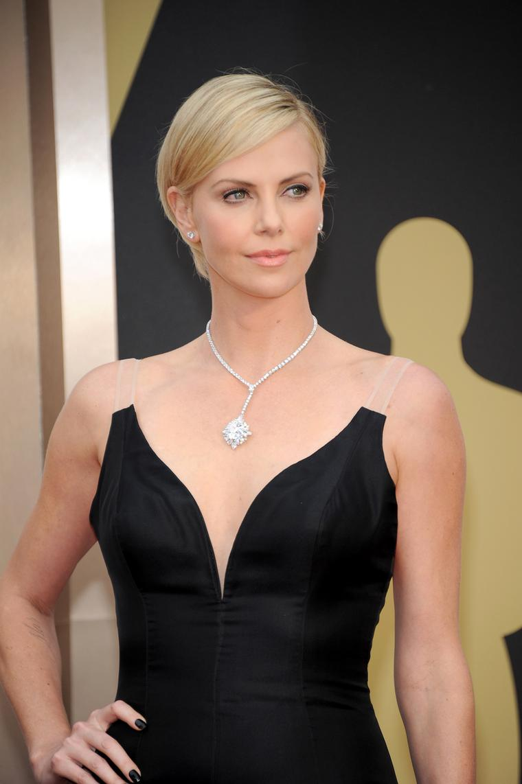 Charlize Theron wore a US$15 million Harry Winston diamond necklace from The Incredibles collection on the Oscars red carpet