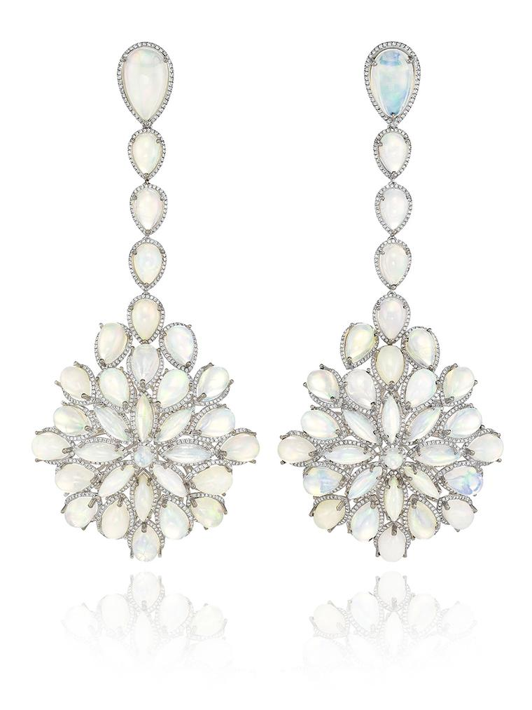 Cate Blanchett's Oscars 2014 opal drop earrings are from Chopard's new Red Carpet Collection for this year and feature 62 white opals set in white gold with diamond pavé
