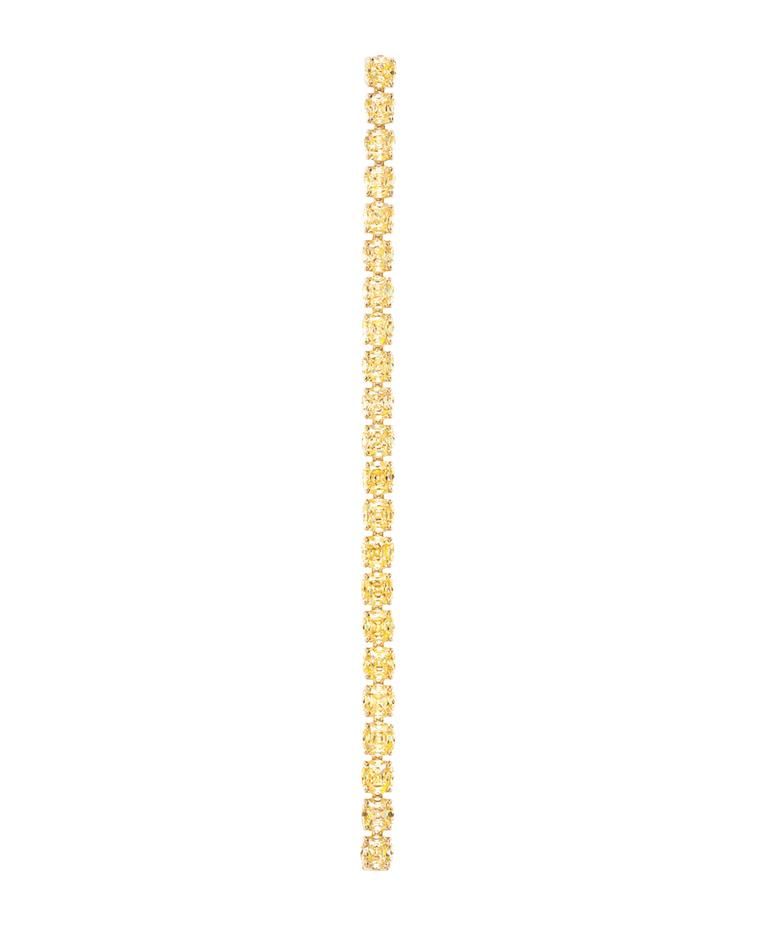 The Tiffany bracelet in yellow gold, set with Fancy Intense yellow diamonds, worn by Amy Adams for the Academy Awards 2014