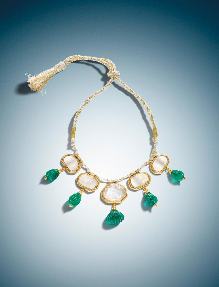 17th century gold Indian necklace featuring diamonds, emeralds and enamel. Private collection.