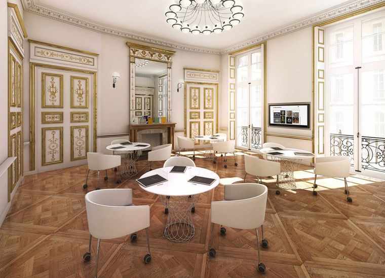 Two classrooms are dedicated to History of Art classes at L'École Van Cleef & Arpels, with one of them housed in an 18th century salon