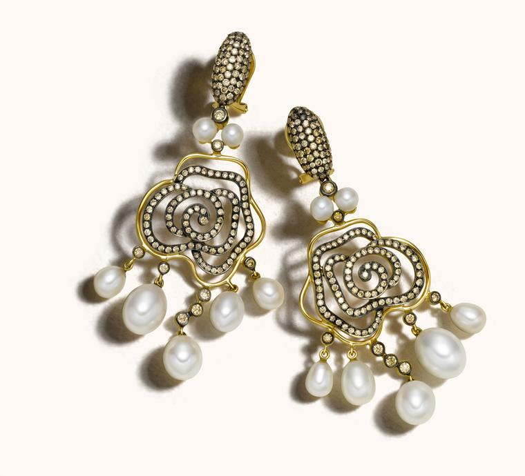 Zoya Espan~a collection gold, diamond and pearl earrings