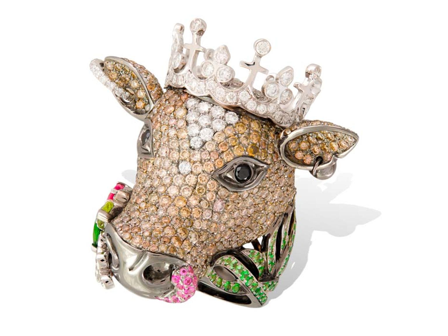 Lydia Courteille Cow ring in gold from the Animal Farm collection, set with diamonds, tsavorites and sapphires