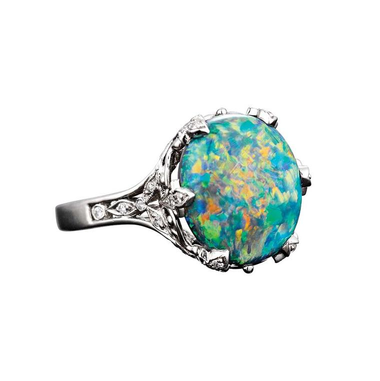 Tiffany & Co. ring in platinum, set with a 5.54ct black opal
