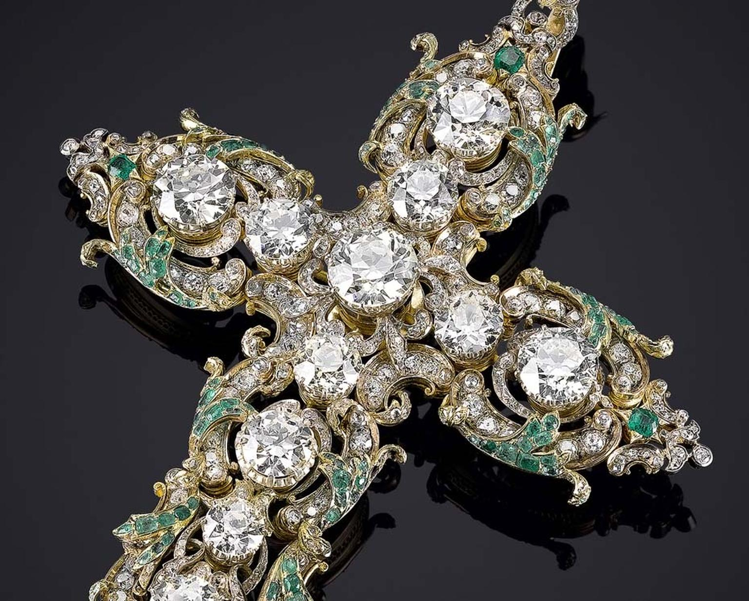 Valued at US$1.25 million, Pope Paul VI's diamond cross is embellished with diamonds, emeralds and rubies