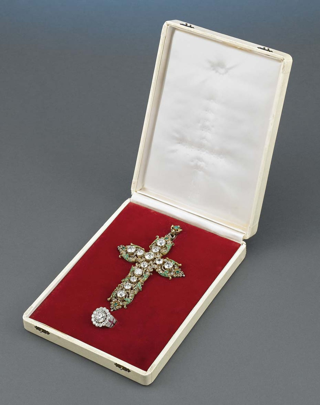 Since being sold by Pope Paul VI in 1967 to raise money for human relief funds, the diamond cross and ring have had several owners, including Chicago jeweller Harry Levinson and daredevil Evel Knievel.
