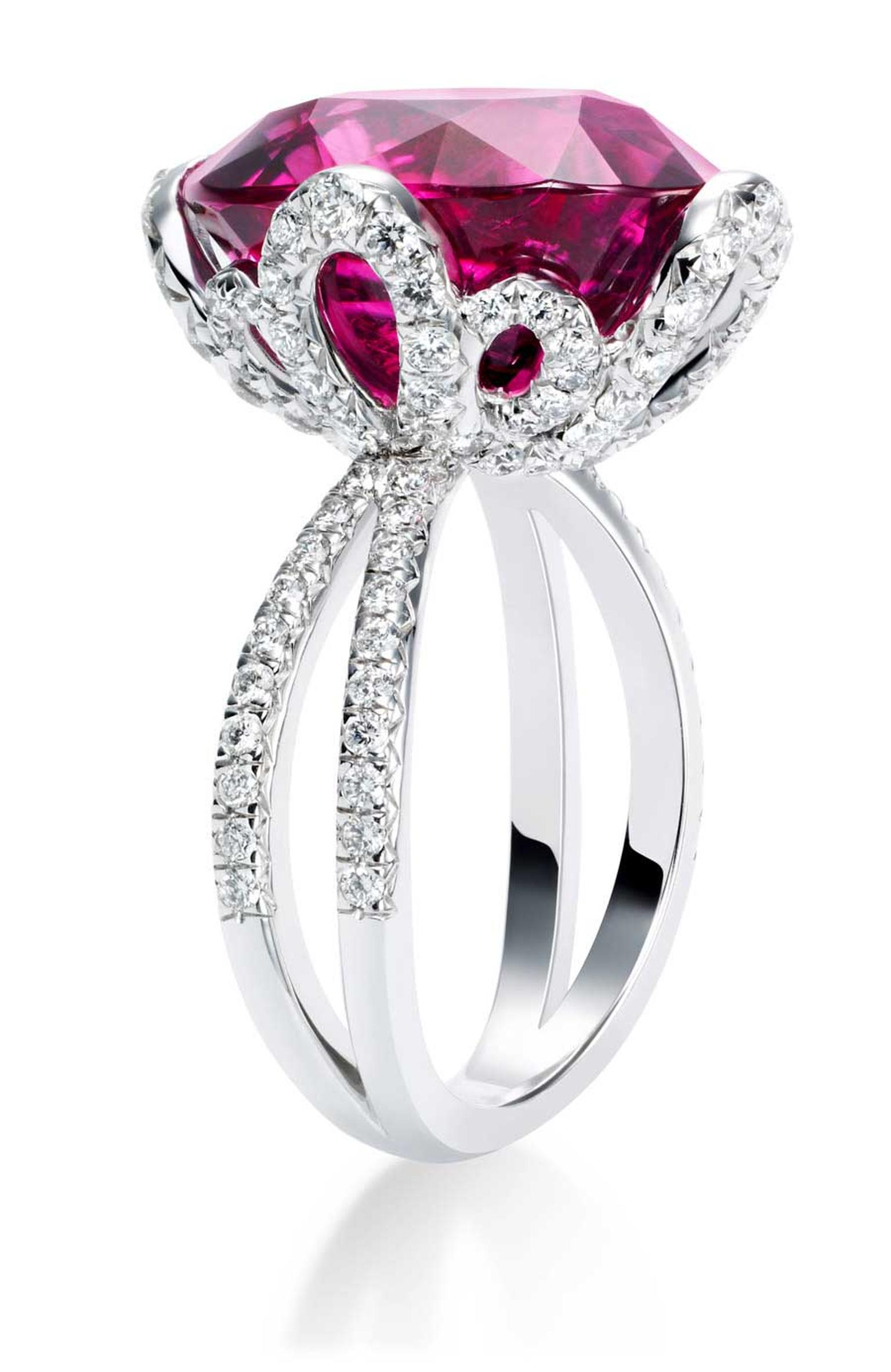 Piaget Couture Pre´cieuse gold ring featuring 1 oval-cut rubellite (approx. 13.23 cts) and 120 brilliant-cut diamonds.