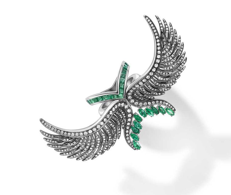 Leyla Abdollahi Lust & Lure collection ring in white gold with emeralds, diamonds and onyx