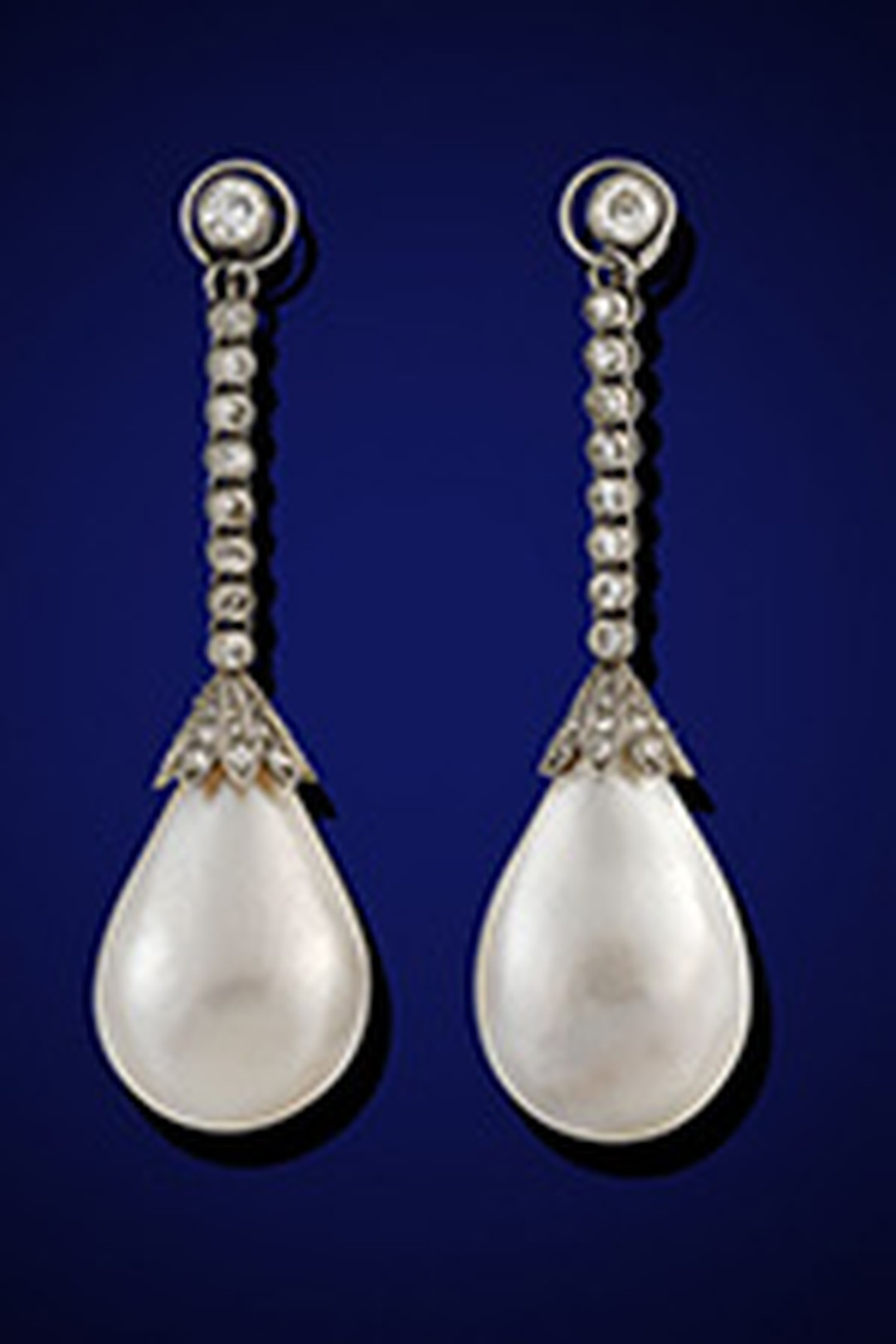 Natural pearl earrings sell for £1.6 m