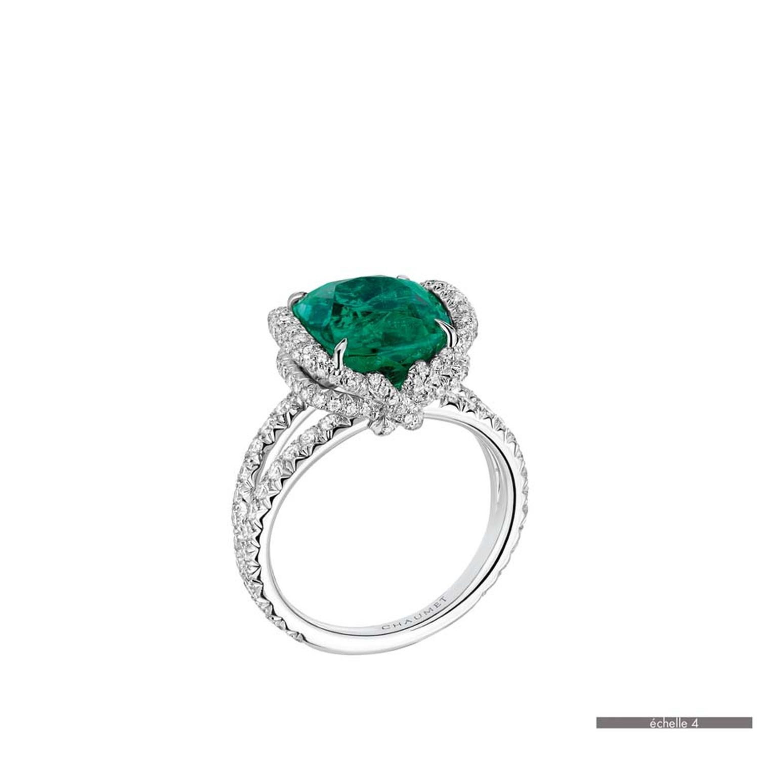 Chaumet Liens ring in white gold featuring 147 brilliant-cut diamonds and a cushion-cut emerald (6.42ct).