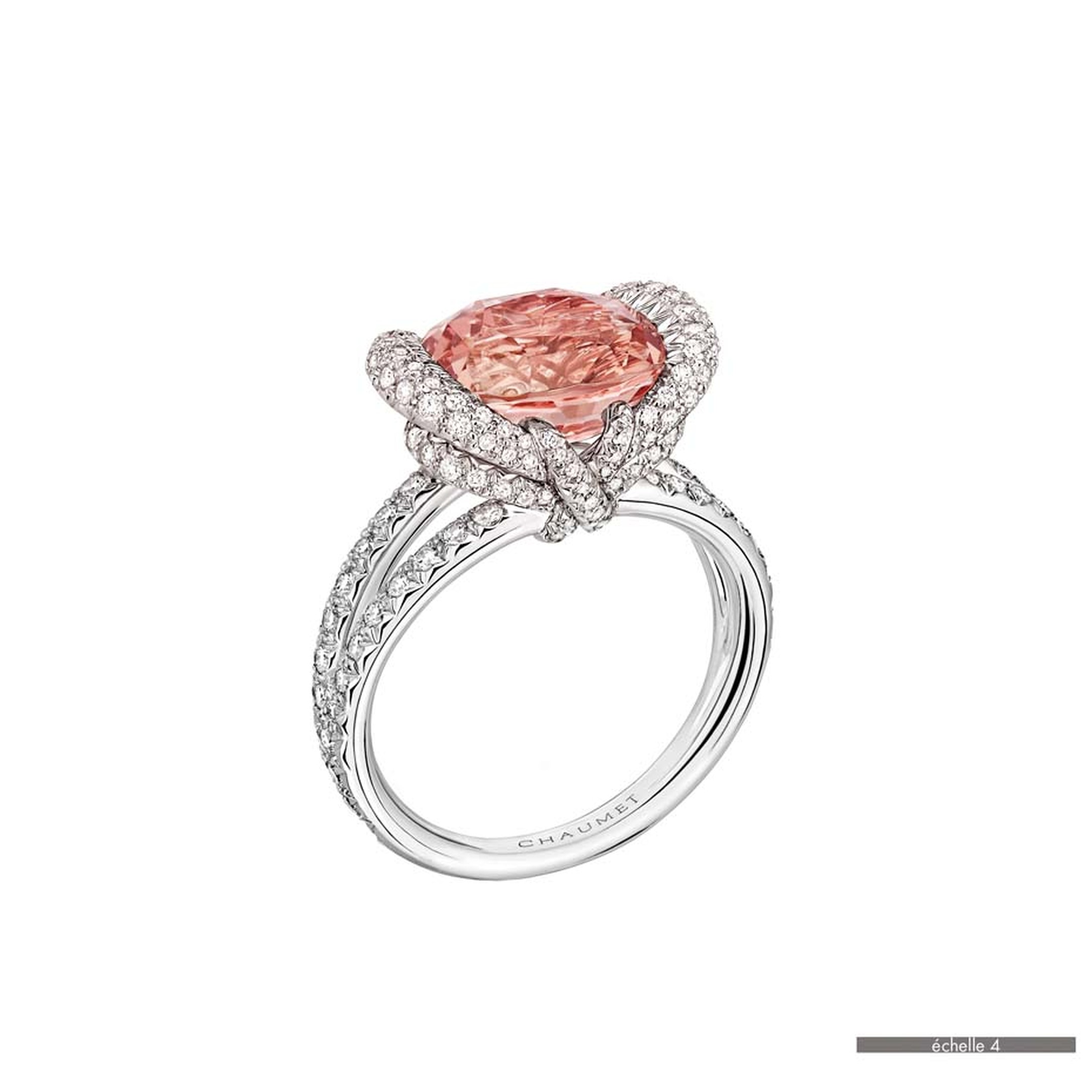 Chaumet Liens ring in white gold featuring 142 brilliant-cut diamonds and a padparadscha sapphire (5.29ct).