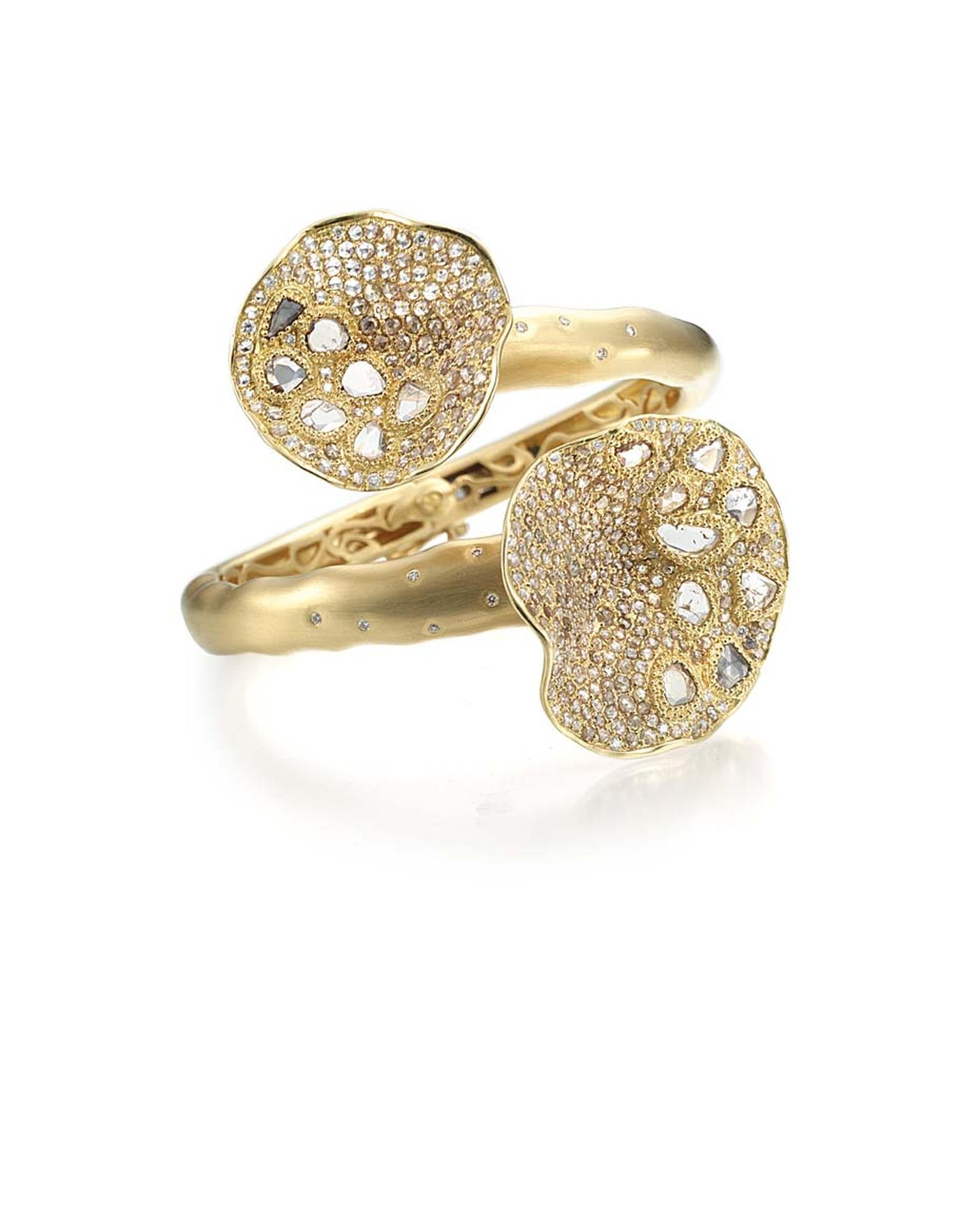 Coomi Serenity Flower ring with gold, brilliant diamonds and rose-cut diamond paisley.