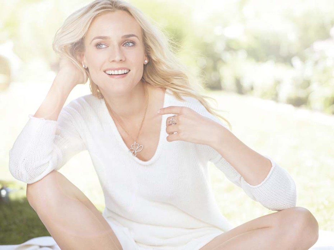 Diane Kruger, the official face of H.Stern, displays the newest pieces from H. Stern's 2014 Oscar Niemeyer collection.
