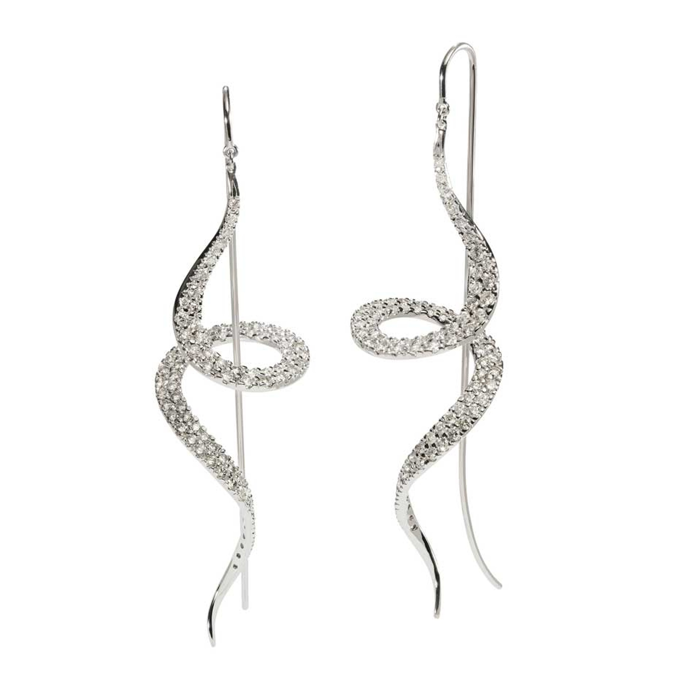 H.Stern's 2014 Oscar Niemeyer collection white gold and diamond earrings display the elegant lines and curves Oscar Niemeyer was so well known for.