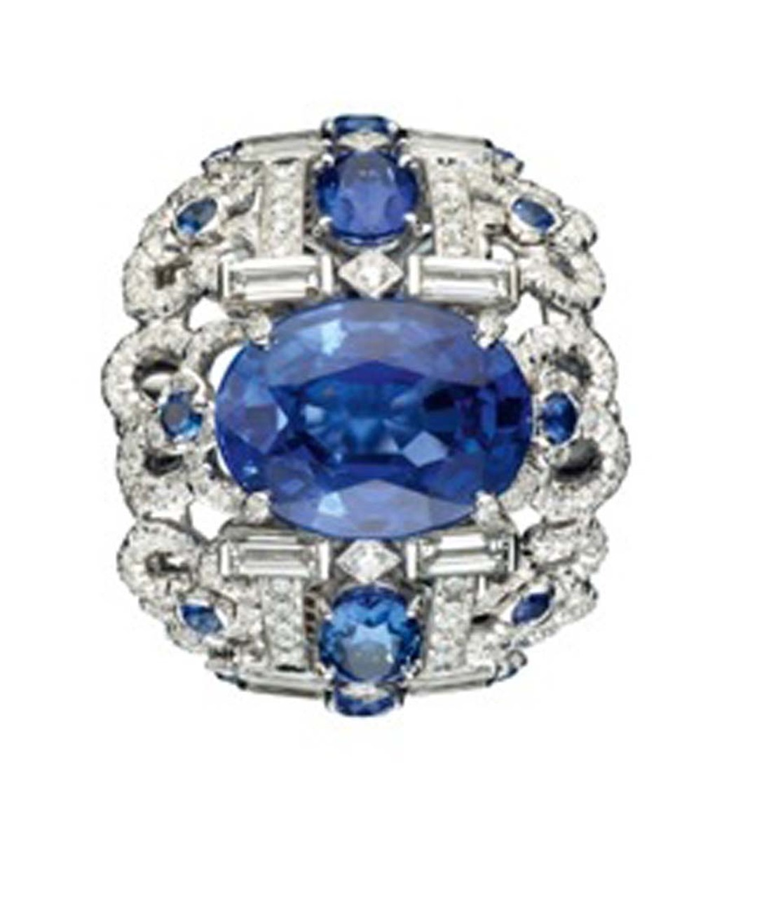 Chaumet white gold Hortensia ring with diamonds, sapphires and set with a centre oval-cut sapphire.