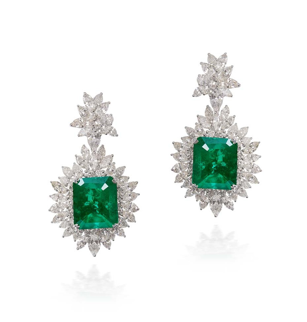 Lot 9, a pair of earrings by Talwarsons Jewellers with two extremely rare Gemfields emeralds as their centrepiece (estimate: INR 3,300,000 - 4,000,000; $55,000 - 67,000)