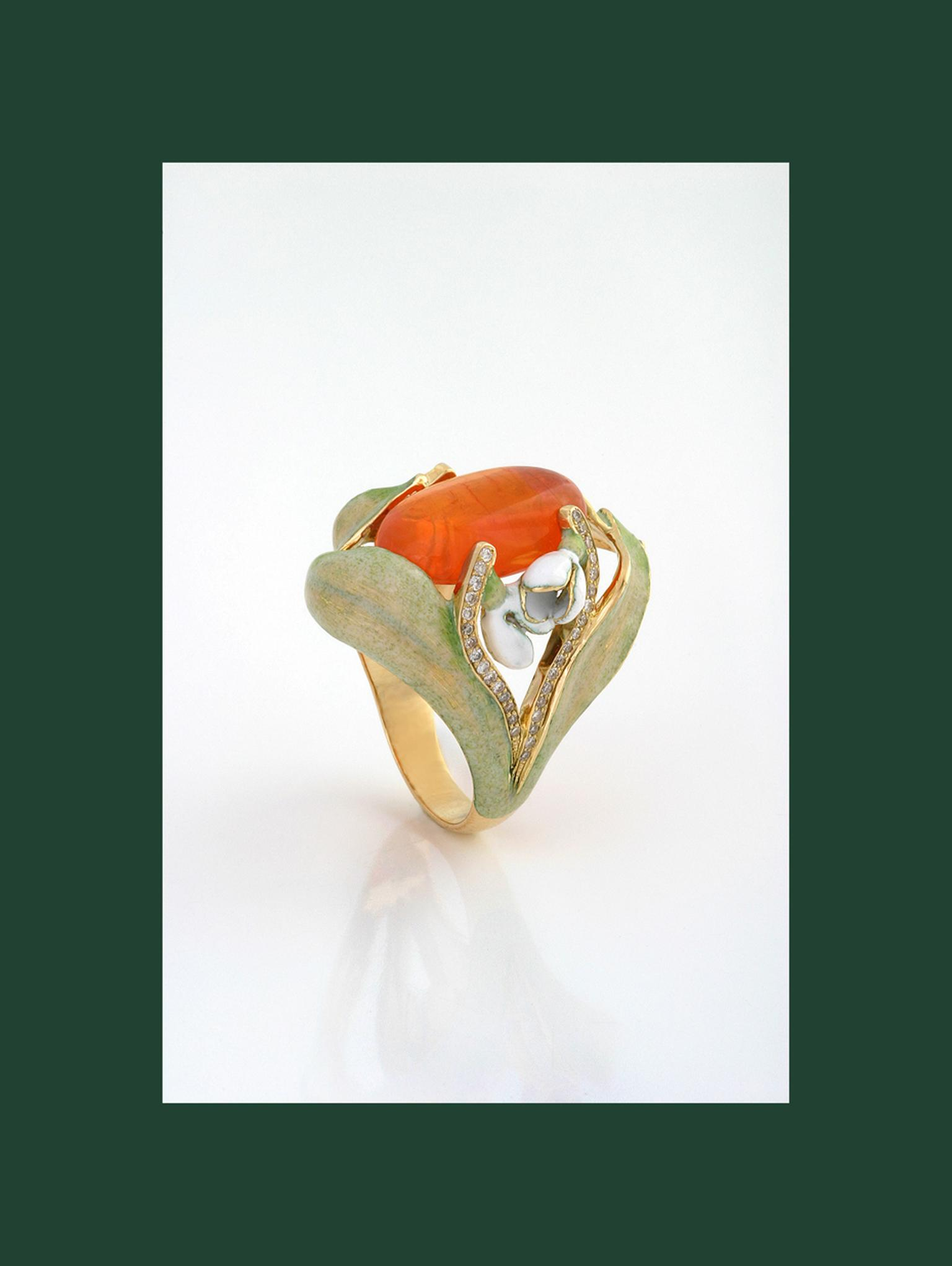 Ilgiz F Snowdrop ring with opal.