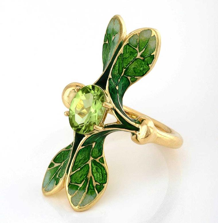 "Ilgiz F ""Lalique"" ring with grand feu enamelling, set with a peridot"