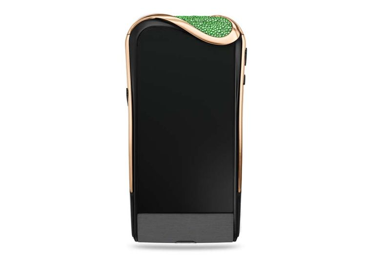 The Savelli Emerald Night smartphone features 395 Gemfields emeralds, high-tech black ceramic, anthracite satin and an unscratchable sapphire crystal screen