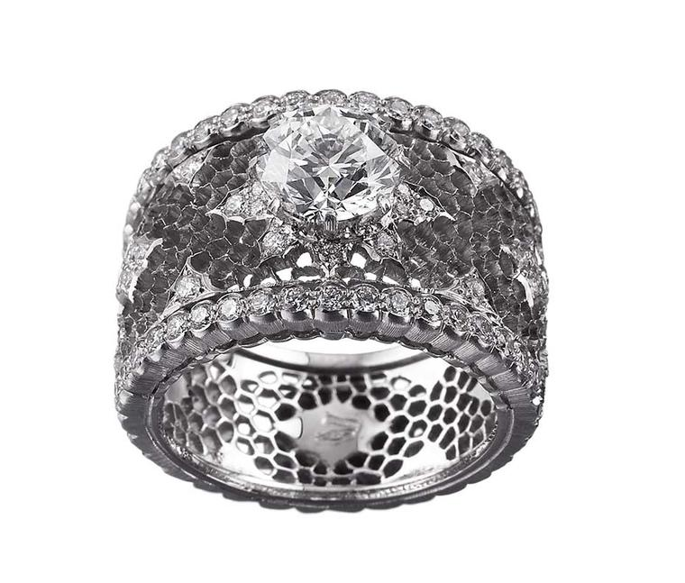 Buccellati Romanza diamond engagement ring with lace patterning