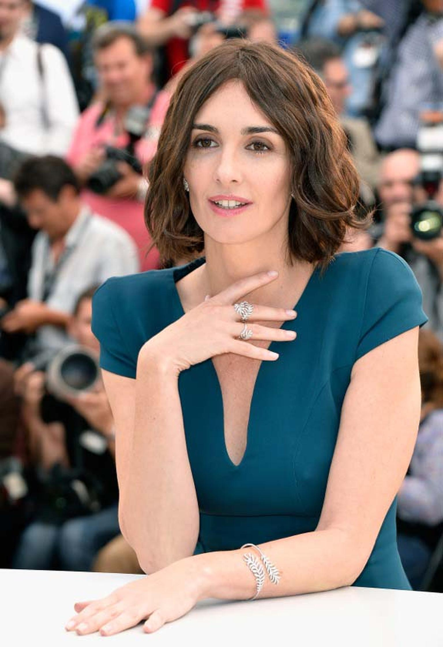 Fellow 'Grace of Monaco' actress Paz Vega attended the photo call in a chic, cap-sleeved Zuhar Murad dress, accessorised with 'Bouton de Camélia' earrings and a 'Plume' bracelet and rings, all in white gold and diamonds, by Chanel