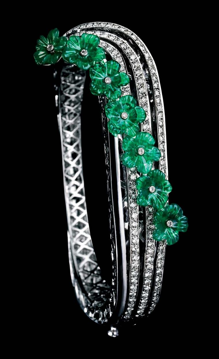 MINAWALA Festival of Emeralds collection bracelet in white gold with diamonds and green agate