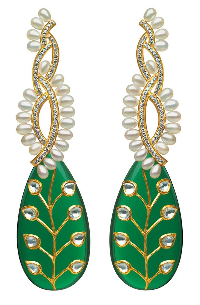 MINAWALA Festival of Emeralds collection necklace in yellow gold with diamonds, pearls and green quartz