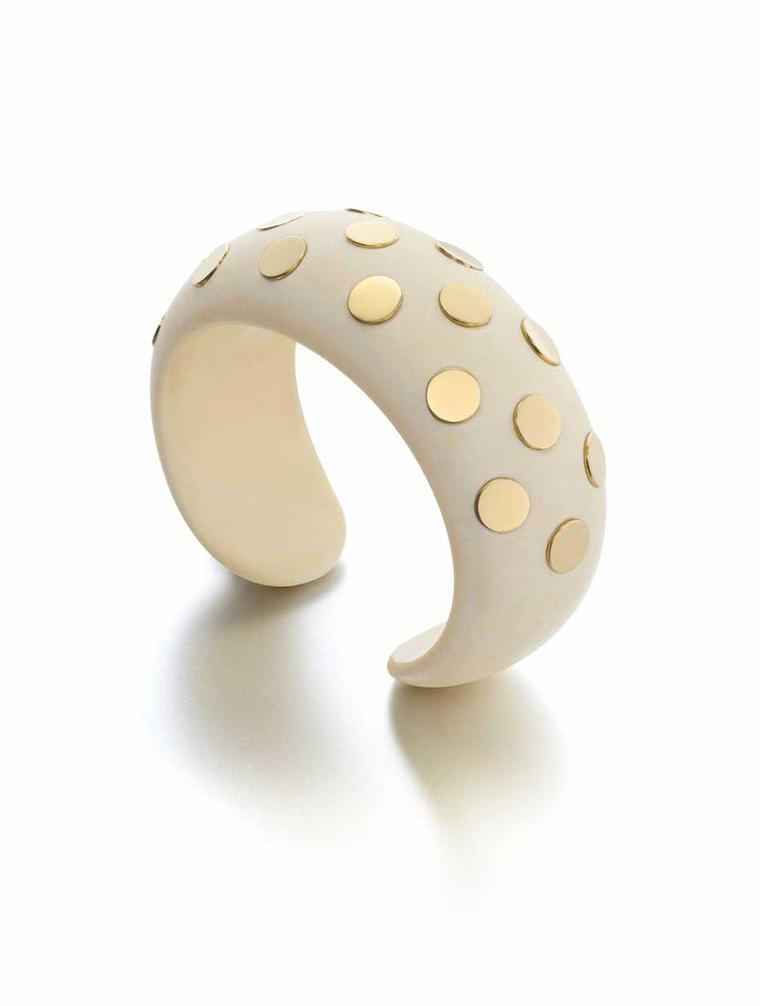 At Siegelson one will find the Suzanne Belperron and Jeanne Boivin Art Modern gold and ivory Tranche cuff, created for the house of René Boivin in 1931.