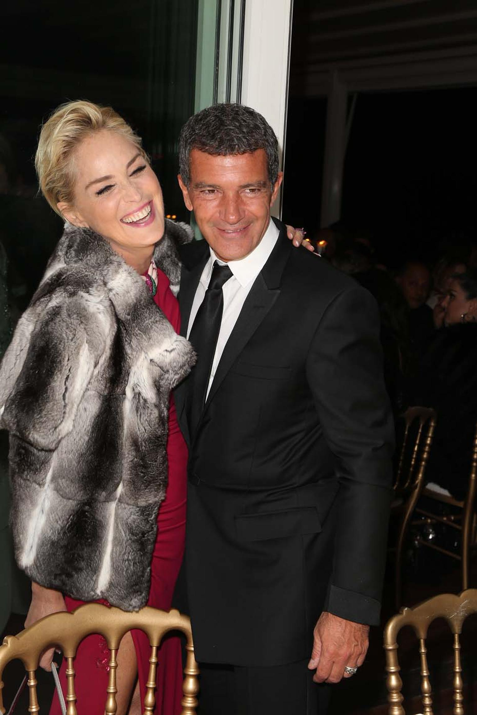 Sharon stone jokes around with de GRISOGONO