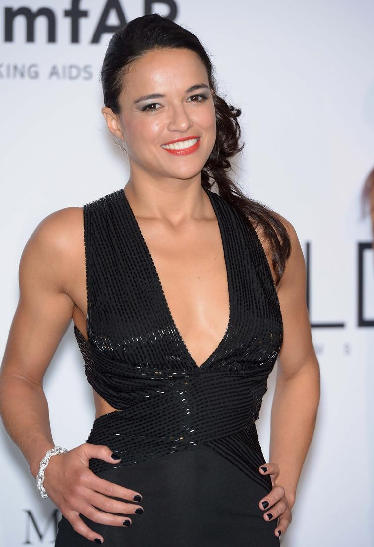 Actress Michele Rodriguez wore a white diamond Links collection bracelet by Avakian