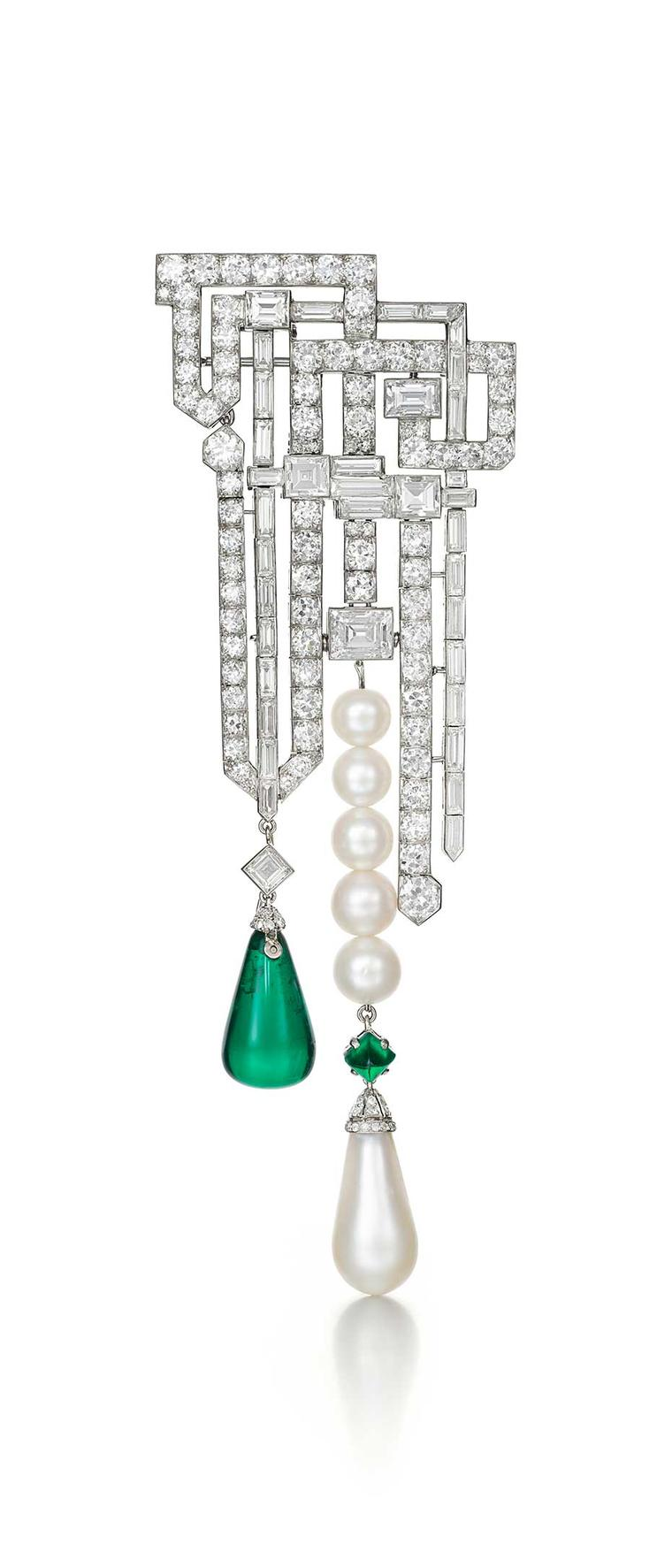 Siegelson will be bringing this Van Cleef & Arpels diamond, emerald and pearl brooch dating from 1926