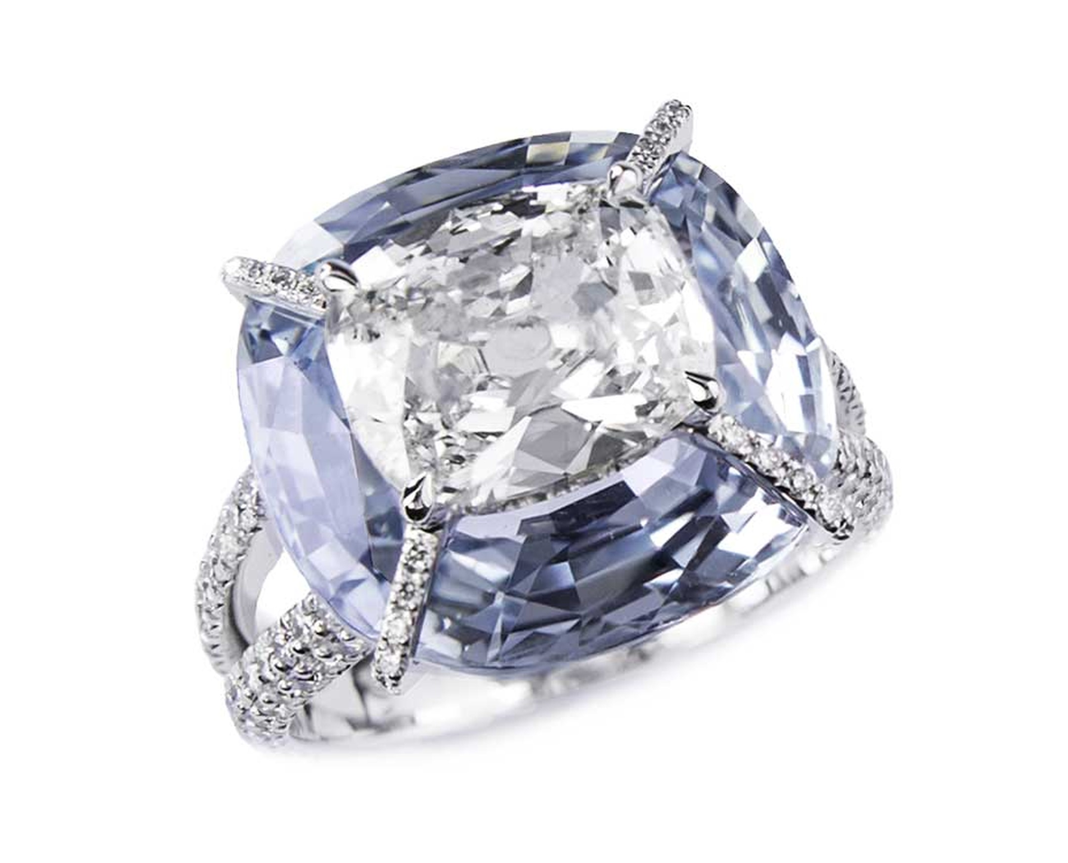 Bogh-Art Kissing Diamonds ring with a diamond set inside a sapphire