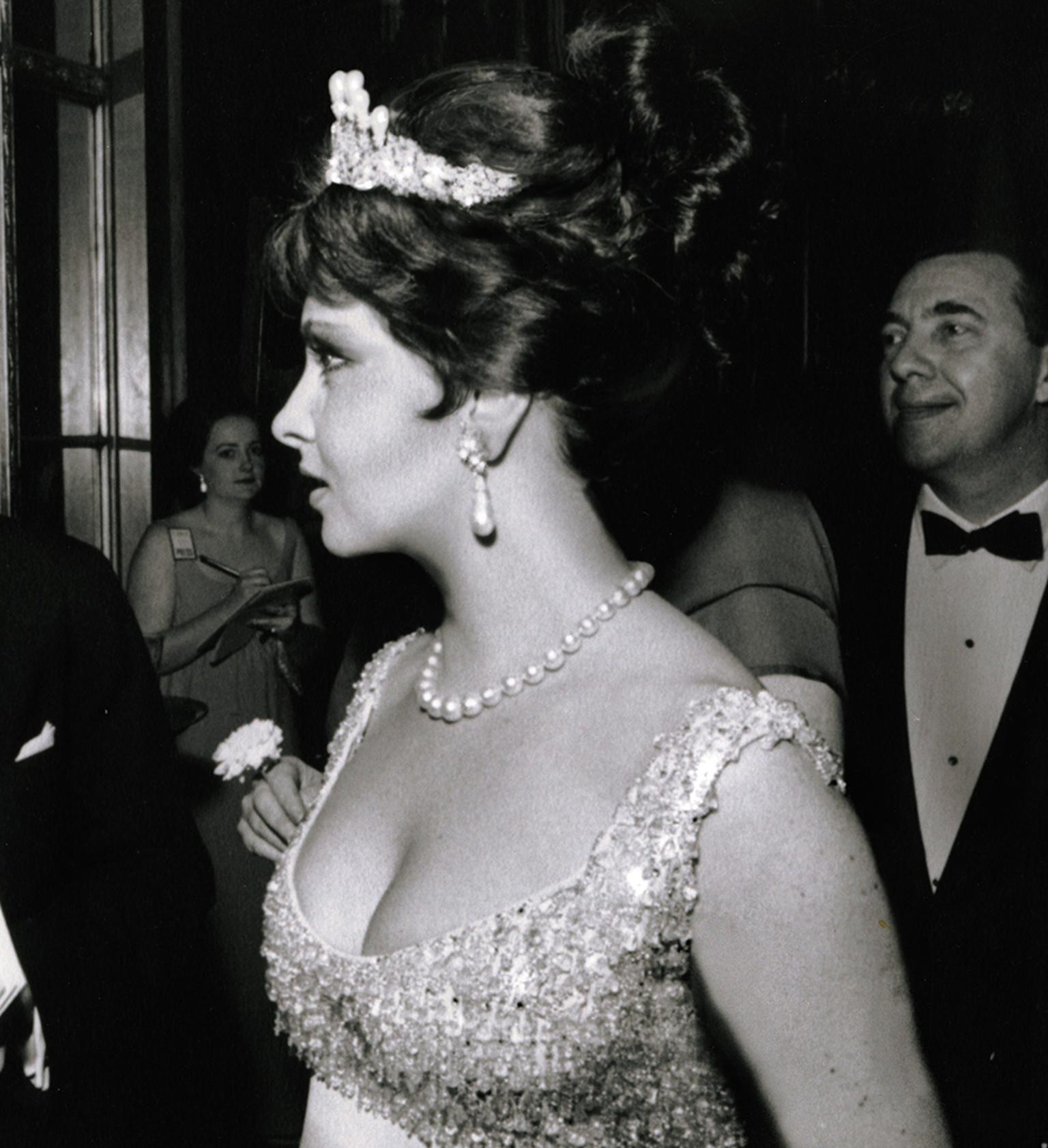 Gina Lollobrigida in New York in 1963 wearing the pair of natural pearl earrings that sold for £1.6 million at Sotheby's London in April 2013.