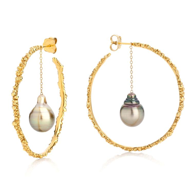 Ornella Iannuzzi Coralline Circle hoop earrings in gold-plated silver with Tahitian pearls.