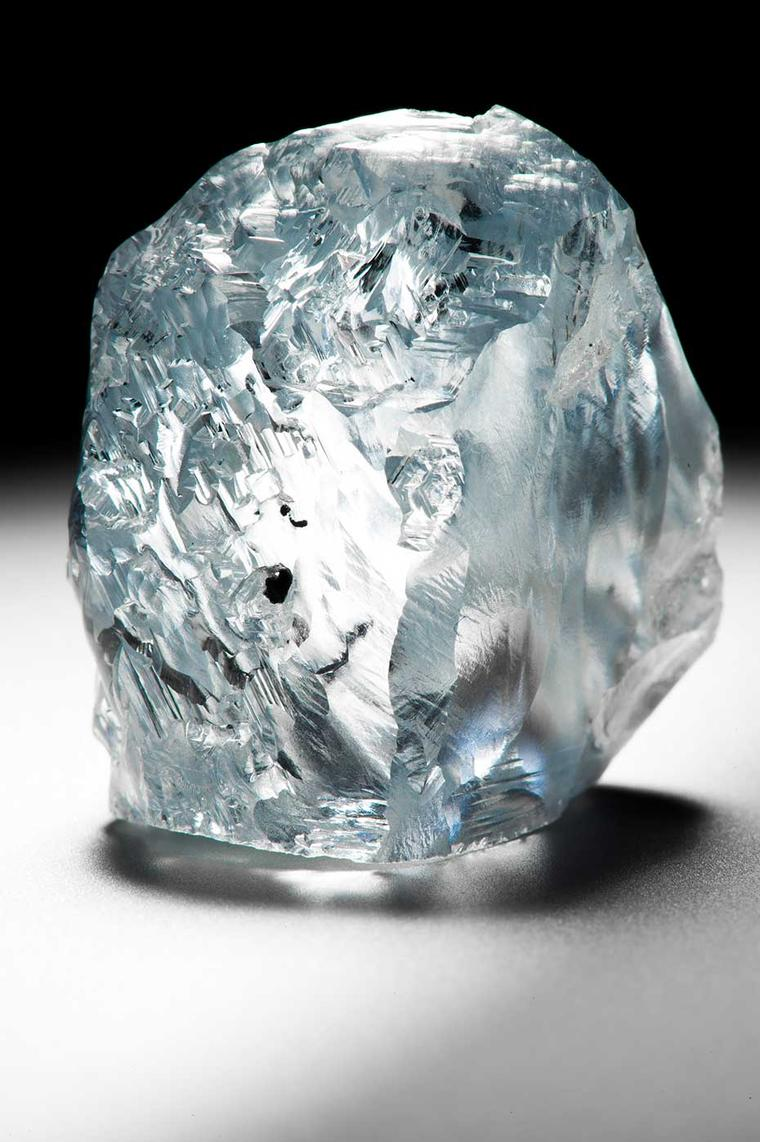 The 122.52 carat blue diamond unearthed at the Cullinan mine in South Africa is likely to achieve a record price paid for a rough gem at auction.