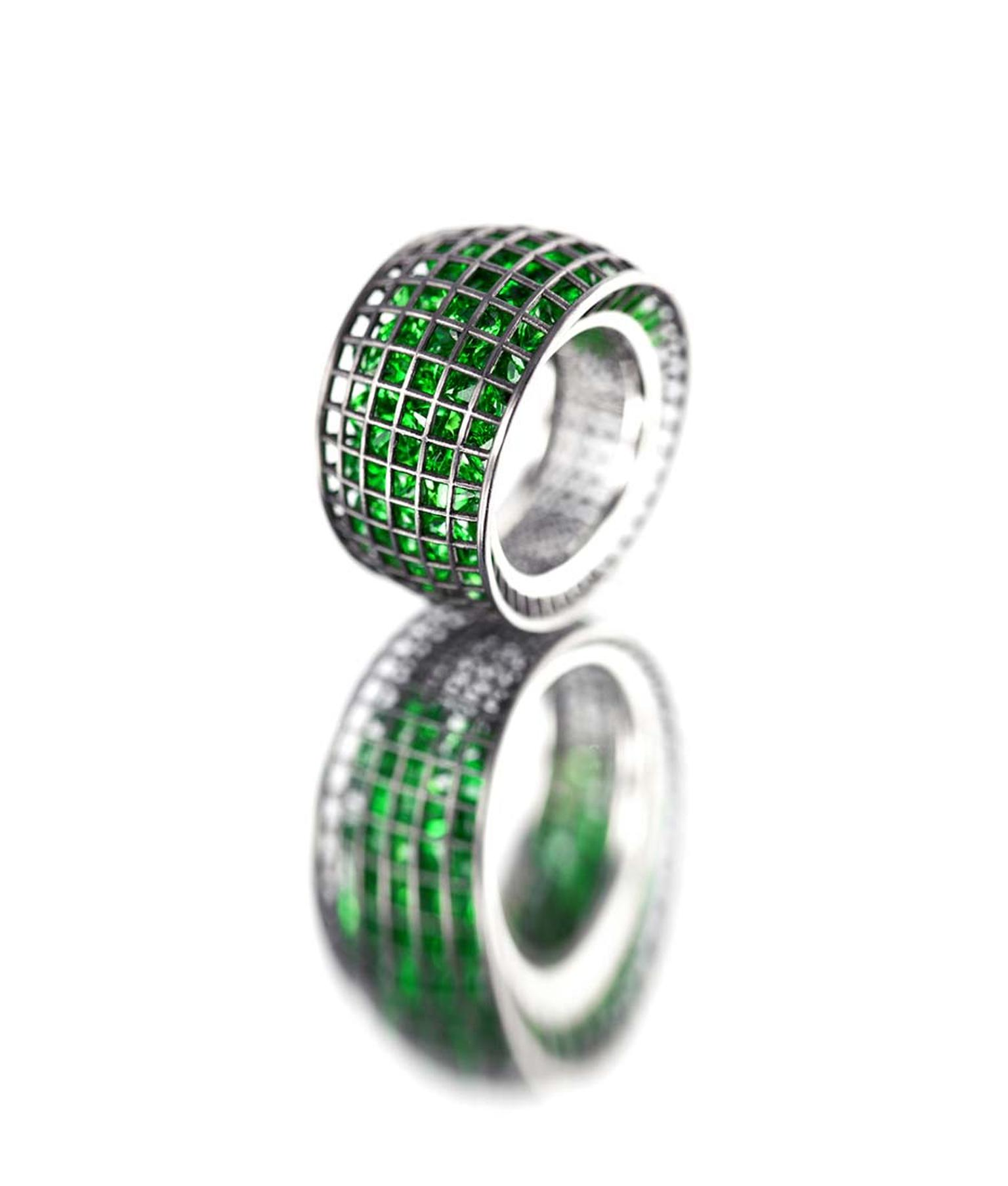 Roule & Co Shaker Taper ring with tsavorites in blackened white gold.