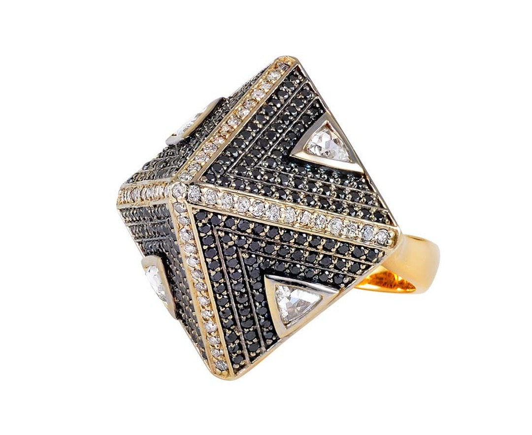 Parulina Pyramid ring with black and white diamonds creating a bold symmetry.
