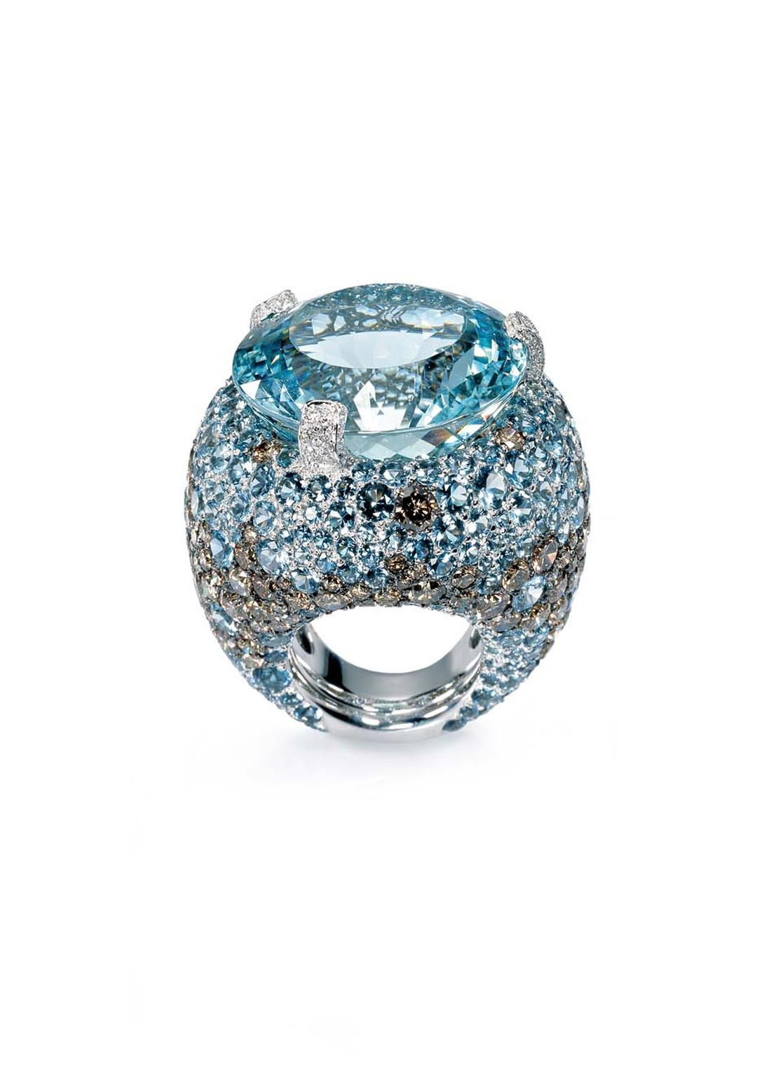 De GRISOGONO Melody of Colours collection aquamarine ring with diamonds.